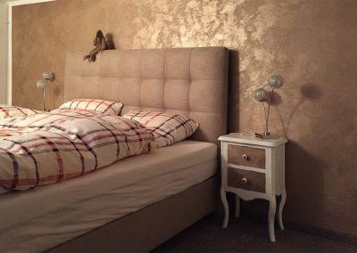malwerk_krauss_Schlafzimmer-Italienische-Wischtechnik-mit-Metalliceffekt-(2)