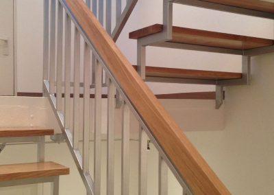 malwerk_krauss_Treppenhaus-Treppengeländer-lackiert-(2)
